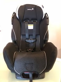 Baby's black and gray car seat Longueuil, J4K 0B2