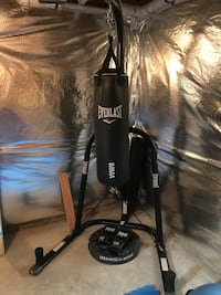 MMA heavy weight bag and stand  Aldie, 20105