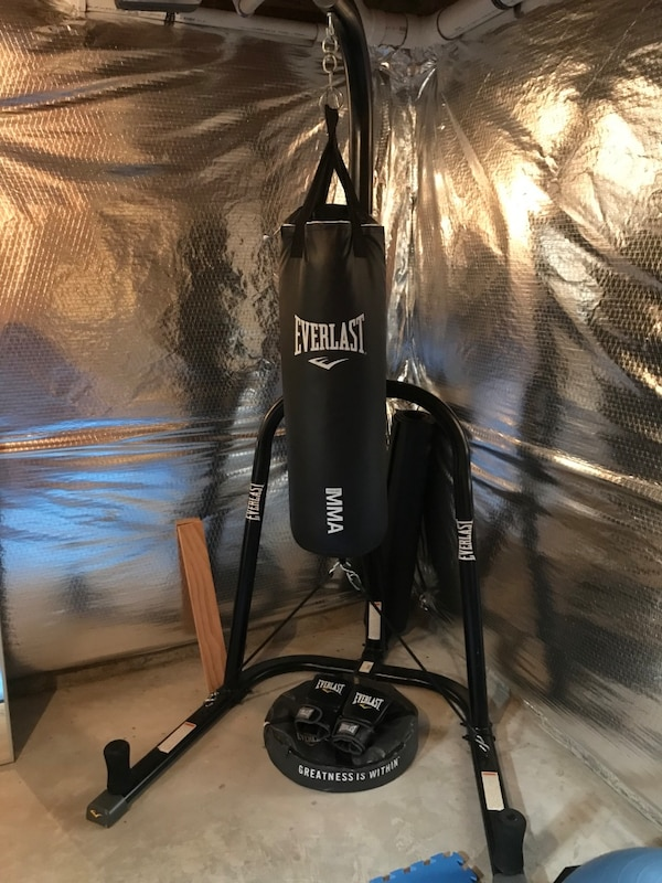 MMA heavy weight bag and stand