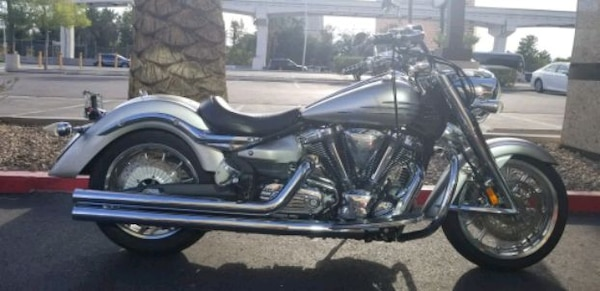 07 Yamaha roadliner 1900cc like brand new