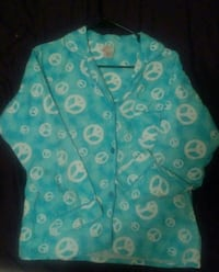 PJ Top Woman's M Cloudy Sky Blue w Peace Signs Chicago, 60659
