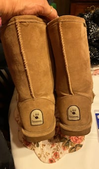 Bear Paw boots Baltimore, 21224