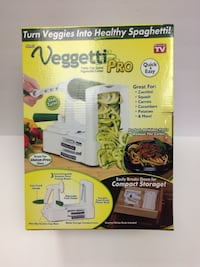 White veggetti slicer box Pickering, L1X 2T4