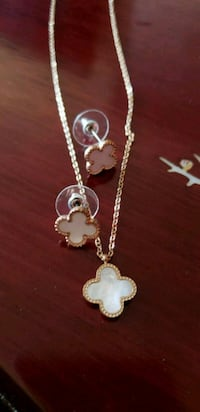Necklace and earrings set Mississauga, L5M 0N7