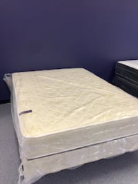 New Hospitality Queen Dble sided Comfort Top mattress Charlotte, 28216
