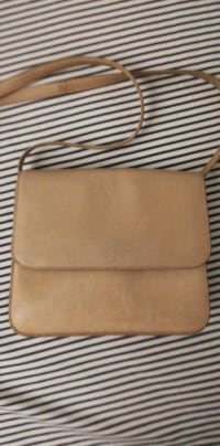 Great condition babaton beige purse   Toronto, M5J