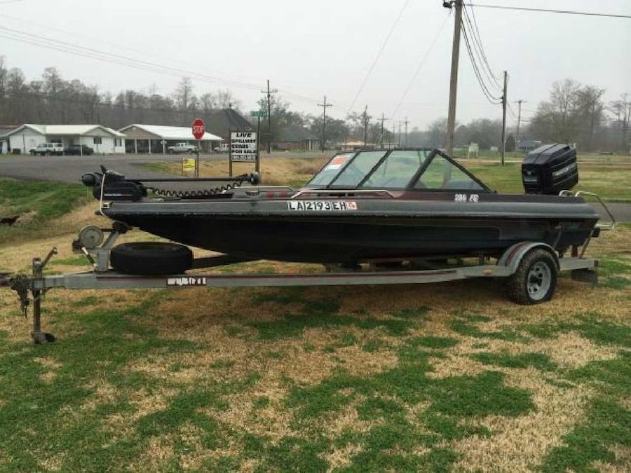 Used 1991 fish and ski boat in baton rouge for Fishing in baton rouge