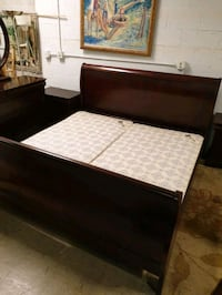 king size bedroom set solid wood in excellent condition  Plantation