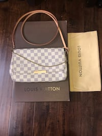 Monogrammed crossbody Louis Vuitton clutch Delta, V4C 1C7