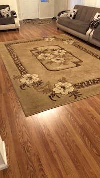 brown and white floral area rug Kent, 98030