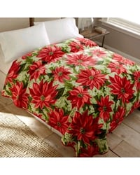 NEW Queen Size Poinsettia Blanket/Bed Cover Oakville, L6H 3H2