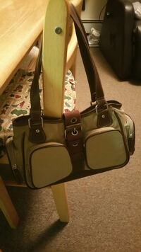 Ladies's Brown Purse. Bangor, 04401