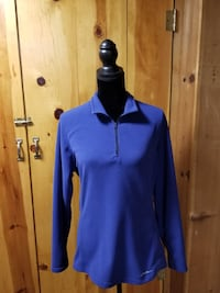 Blue velour top $15.00 Longview