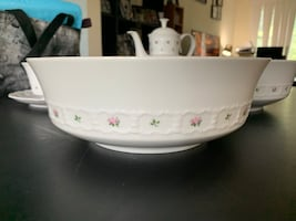 2 Round Vegetable or fruit bowl