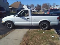 2003 Chevrolet S-10 2WD Regular Cab Short Box LS