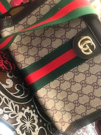 Gucci bag never used, fake Mississauga, L5B