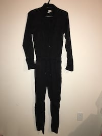 Womens black jumpsuit sz 2 Nanaimo, V9V 1V6