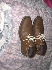 pair of brown leather shoes Frederick, 21703