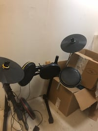 Xbox 360 or Xbox one drum set  Silver Spring, 20906