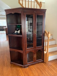 2 piece wall unit Pasadena, 21122