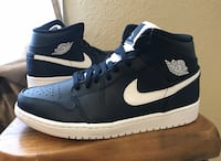 Air Jordan 1 mid Size 8.5 Brand New 100% authentic