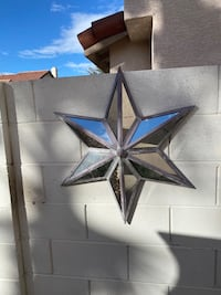 2 big metal stars , with mirrors wall art Henderson, 89074