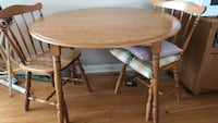 Wooden table & chairs Barrie, L4M 2E9