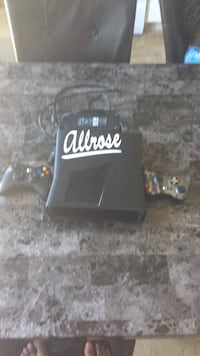 Xbox 360 with cables,2 controllers Red Deer, T4N 7C4