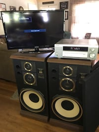 """BUNDLE!!! (2) FISHER SPEAKERS, 32""""TV, PIONEER RECEIVER, ENTERTAINMENT CENTER Winchester, 22602"""