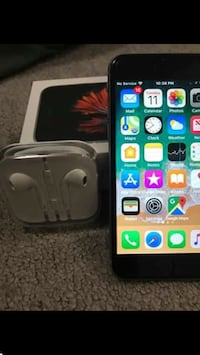 32gb iphone 6s. T- mobil like new  Lanham, 20706