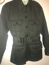 Authentic military suit. T shirt is free when you buy the whole outfit! Everything looks brand new and has been well taken care of. No stains and no holes! Price is negotiable! Calgary, T3J
