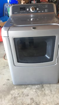 Maytag Bravos dryer approx 7 yrs old. Works great Grand Coulee, S0G 3W0