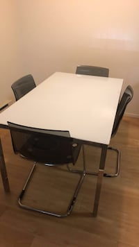 Rectangular white wooden table with four chairs San Leandro, 94578