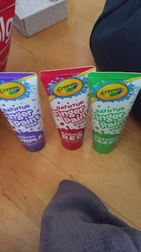 New crayola bathtub finger paints! Red, purple and green.  Laval, H7Y 2C1