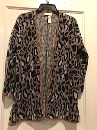 Animal print cardi Little Rock, 72205