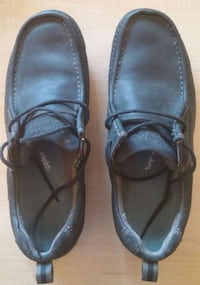 Size9 black leather Hush Puppies shoes Kelowna, V1Y 6H5