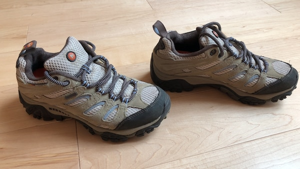 80dc9f36 Merrell Moab hiking shoes size 7