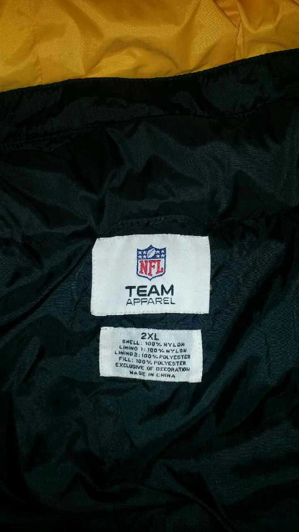 Pittsburgh Steelers winter coat - Worn  Twice f38b0d28-eb21-4dfa-b102-ea07f8a16ff2