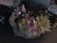 This is a swan planter the flowers r arrangement Wappingers Falls, 12590