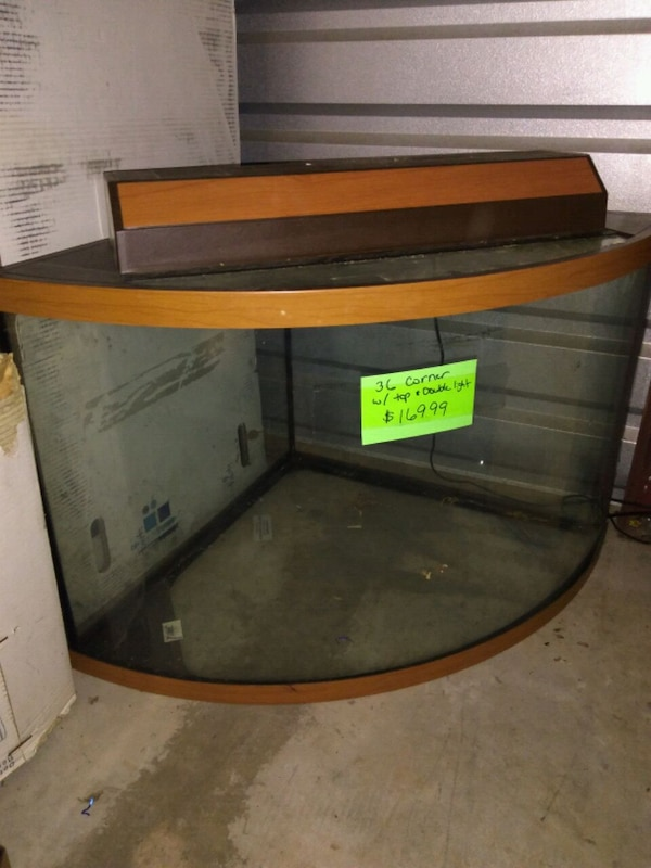36 gallon corner fish tank wirh top/double light