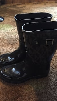 pair of black leather boots Blue Island, 60406