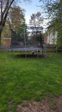 12' Trampoline w/Enclosure - Happy Kids this Summer!  OAKLAND