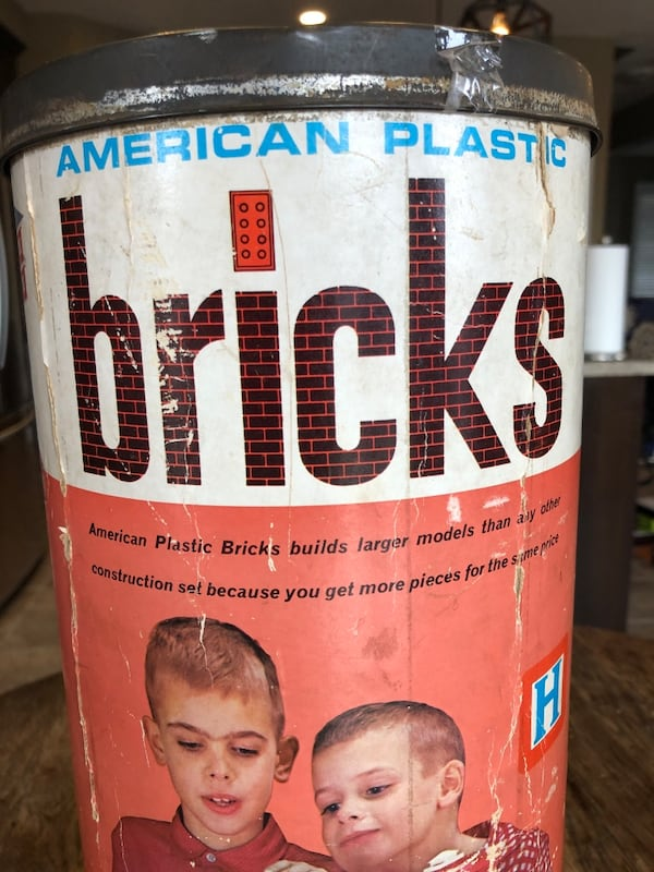American Bricks building set from the 60's 70's d13f2afd-85aa-4789-83f8-1d3c3266eb67