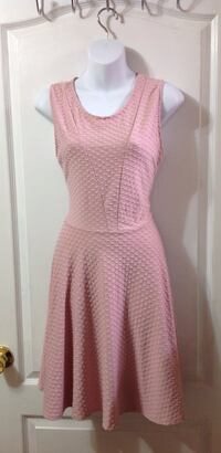 SUZY SHIER Blush Pink Dress: Size Medium Toronto, M6G 4A1