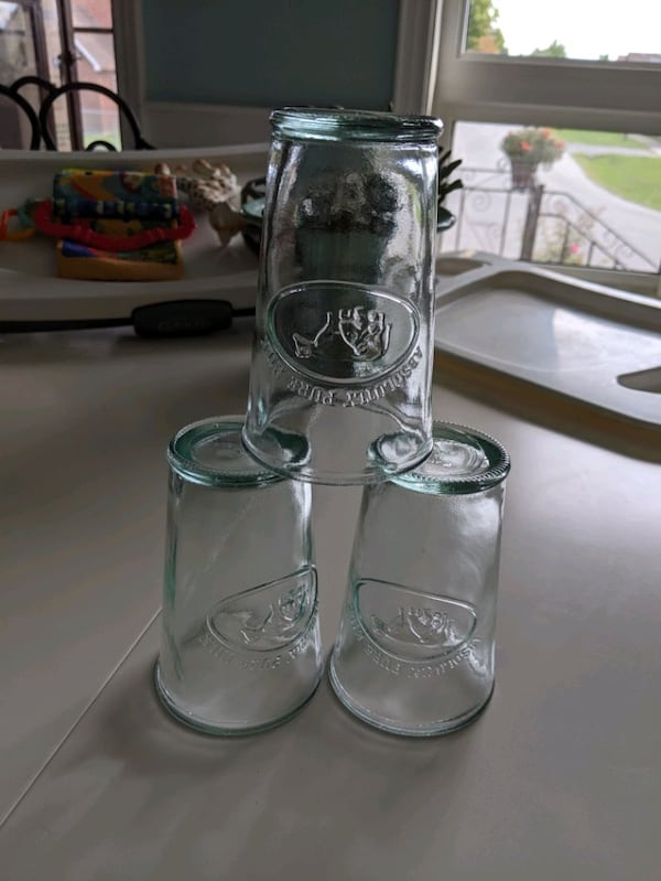 3 thick glass absolutely pure milk  2b57e91d-af57-49f7-bf31-87ed759b42cc