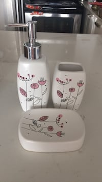 white-and-pink floral ceramic bathroom accessory set Toronto, M4P 1Y3