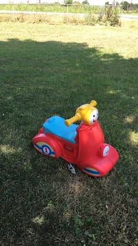 Toddler's red and blue ride on toy Charles Town, 25414