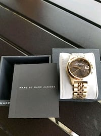 round gold-colored chronograph watch with link bracelet Woodruff, 29388