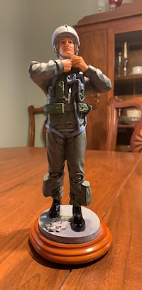 "American Heros ""Suiting Up"" 1st edition #156/2500 Military Figurine  Rockaway, 07866"
