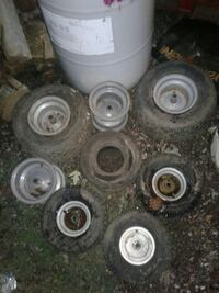 Riding mower rims and tires Evansville, 47714